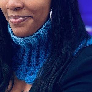 Crochet neck wrap